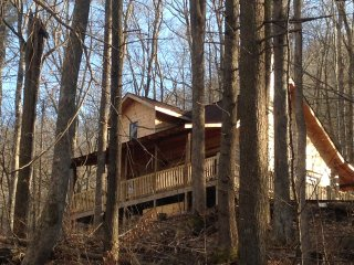 Renew & Relax in Tranquil & Comfortable Log Cabin