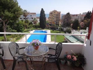 Beautiful sea view apartment with gardens and pool, near beach