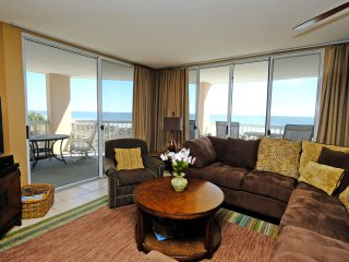 Warwick 204; 3bd, 3bth, OceanView Condo within Litchfield Beach & Golf