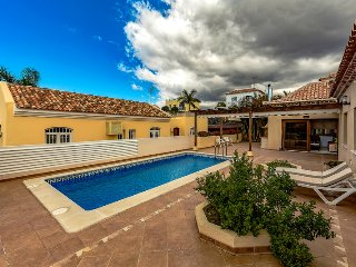 AMAZING VILLA IN MADRONAL