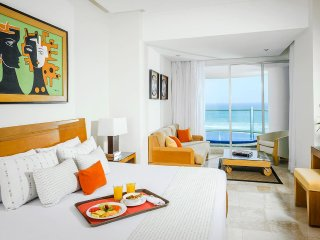 Grand Mayan Acapulco 2 Bedroom 2 Bath Luxury Apartment Suite 12/8/17 - 12/15/17