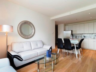 7N- CLINTON:MIDTOWN WEST 1BR-GYM & W/D