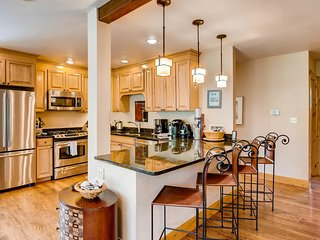 Large Family Ski Vacation Home minutes from Vail and Beaver Creek!