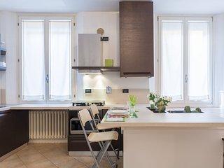 Casa Letizia TWO nuovo  luminoso nel cuore del centro storico WiFi