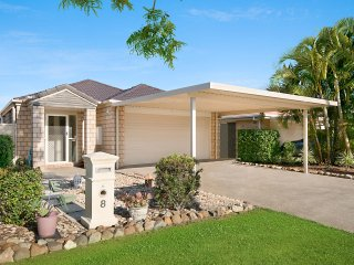 Central Redcliffe Pet Friendly Holiday House