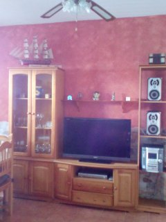 Comedor, tv pantalla plana, equipo de musica y dwd ,aire acondicionado y ventilador techo