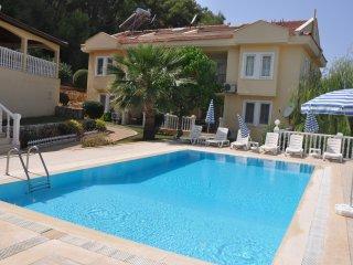 Nicholas Apartment 2 bedroom shared pool