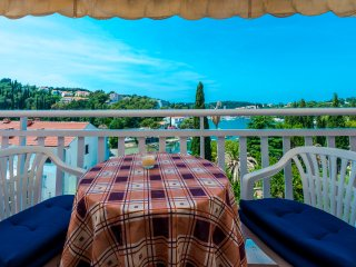 Lovely sea View apartment close to the sea