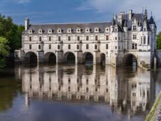 Chenonceau is one of many Chateaus which can be visited when staying at La Richardiere.