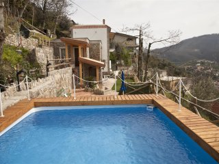 3 bedroom villa with private pool,sea views,Wi-Fi,Air-Conditioning near Sorrento