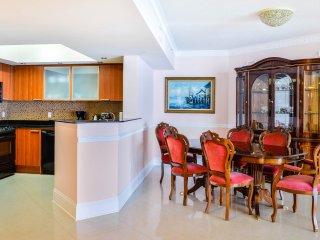 Ocean View 3BDR suite, 38th floor, La Perla, Sunny Isles