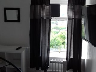 Valley view fleur de lys 30 mins Cardiff, 20 minutes from jct 27 m4