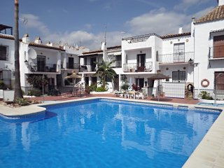 Nueva Nerja 71-M Townhouse with 2 bedrooms, conmunal pool, wifi and A / A