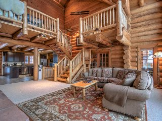 Spacious, bright and warm, the Rocky Mountain ambiance