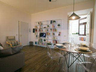 In the heart of downtown Rome, 2bdr - 2bthr, Icaro apartment