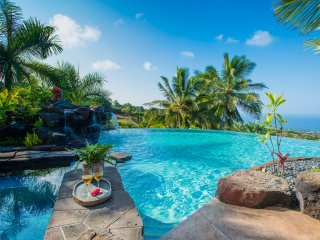 Aloha Place - Luxurous3 Bedroom, 3 Bathroom Home with Spectacular Ocean Views-PHAloha