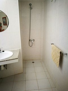 En- suite shower room.