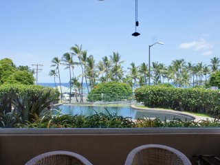 Kahaluu Beach Villas 102