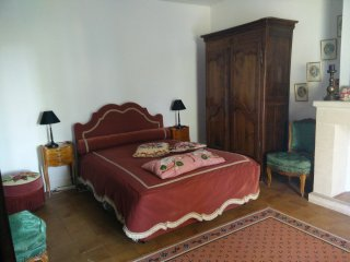 Independent room to let in Ambares-et-Lagrave, at Eliane's place