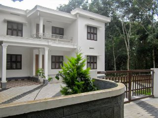 3-bedroom homestay, ideal for a peaceful group getaway
