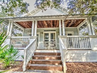 Charming Camp Creek Cottage w/Easy Beach Access~Pool/Hot tub~Steps to 30A