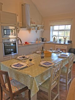 Brookside Byre 5 Star single storey cottage, sleeping upto 6 persons only 4 miles from Durham City