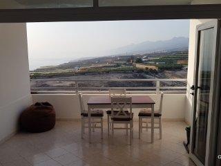 Guapo apartamento con estupenda vista al mar