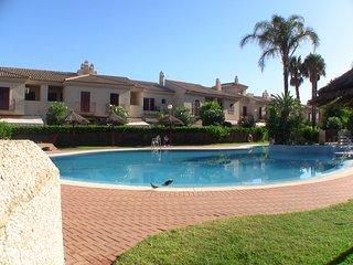 SOLO JULIO. Costa Ballena, casa grande en primera Linea