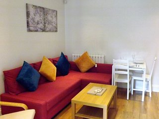 Luxurious 2 Bedroom Flat with Terrace