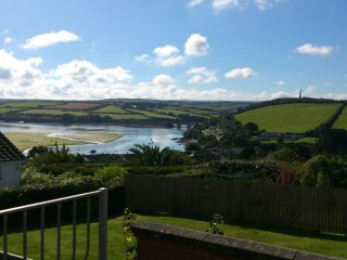 Beau Vista Ground Floor Apartment with views out to sea Padstow