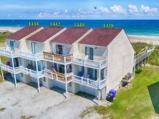 New River Inlet Rd 1444 Oceanfront! | Jacuzzi, Internet
