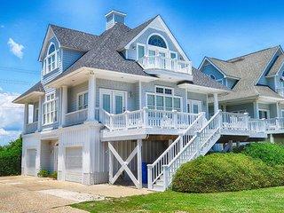 Island Drive 4330 Oceanfront-B Lot! | Internet, Community Pool, Jacuzzi
