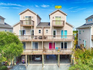 Anchor Dr. 107A | Newly decorated | Great Sunset View | Easy beach access | Hear