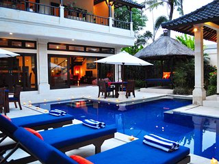 Tropical 4BR Villa few steps from Seminyak Beach!