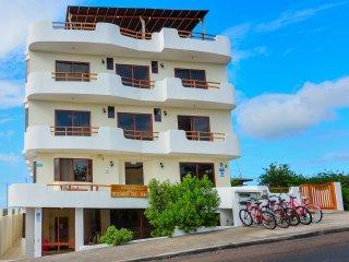 EL DESCANSO DEL GUIA - la mejor relacion calidad-precio en Puerto Ayora.
