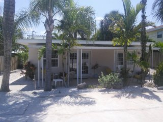 Casey Key 1-Bed Villa #2