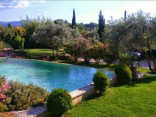 Villa avec piscine en  Luberon proche Lourmarin