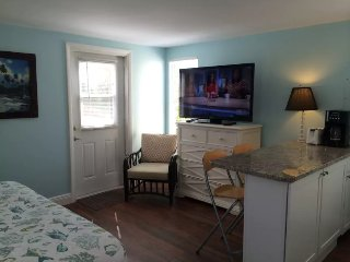Spacious Studio-King Bed-Beach160yd