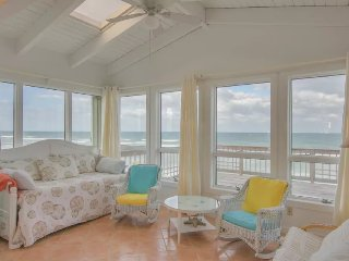 Driftwood Oceanfront upstairs villa