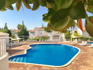 Beautiful duplex Villa in Vilamoura centre | Free WIFI, Cable TV, swimming pool