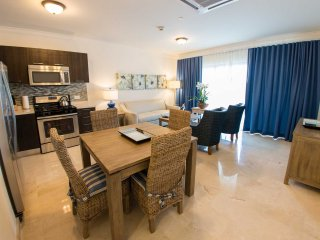 PALM ARUBA CONDOS - Palmeta Palm One-bedroom condo - PC412 - PALM BEACH