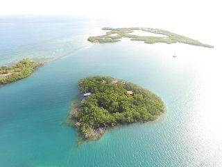 Hideaway Caye    Are you in need of ADVENTURE?