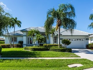Dana Ct - DAN1099 - Charming Waterfront Home!