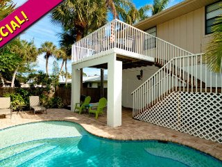 Island Hideaway East: 2BR Kid-Friendly Pool Home
