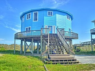 A Flick's Fantasea - 6BR Oceanfront House in North Topsail Beach - Sleeps 18