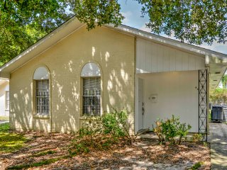 New! 4BR Baton Rouge Duplex - Convenient Location