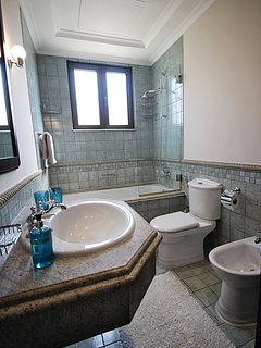 Typical ensuite Bathroom