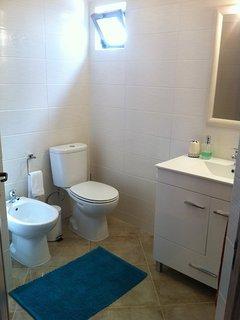 Bathroom with Bath Tube