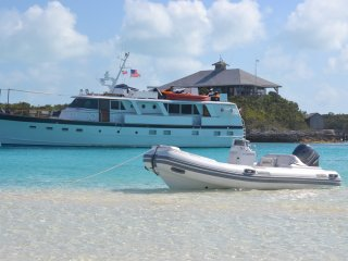 Charter a classic yacht to the EXUMA