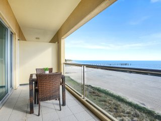 'Pier Luxury' - Oceanview Apartment